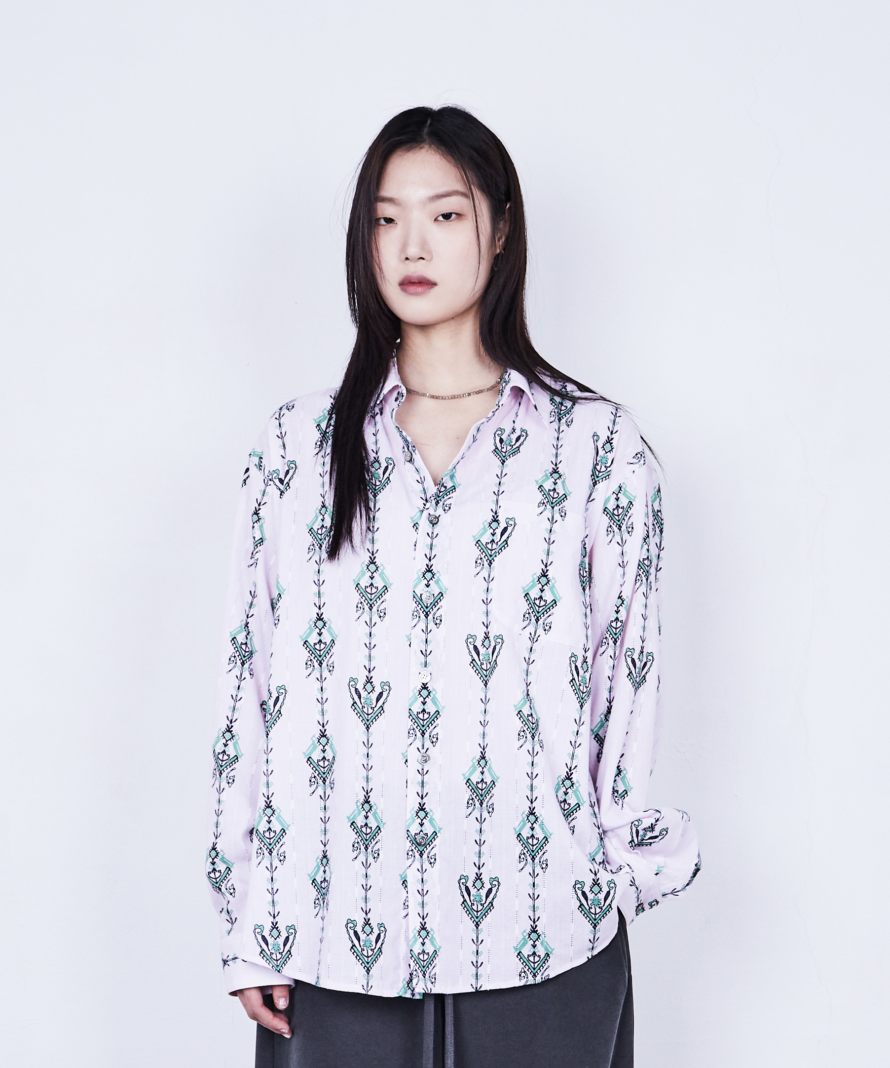 RELAXED SHIRT ORIENTAL CHANDELIER (PINK BLOSSOM)